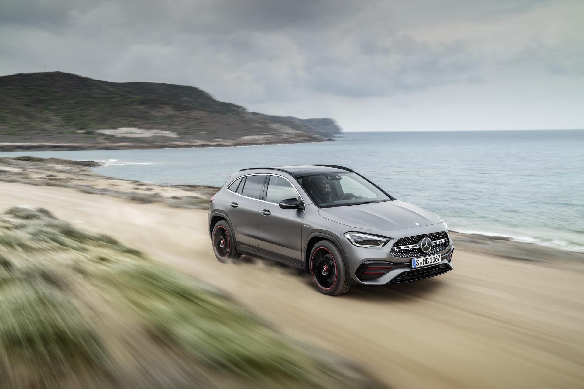 Noul Mercedes-Benz GLA (18)