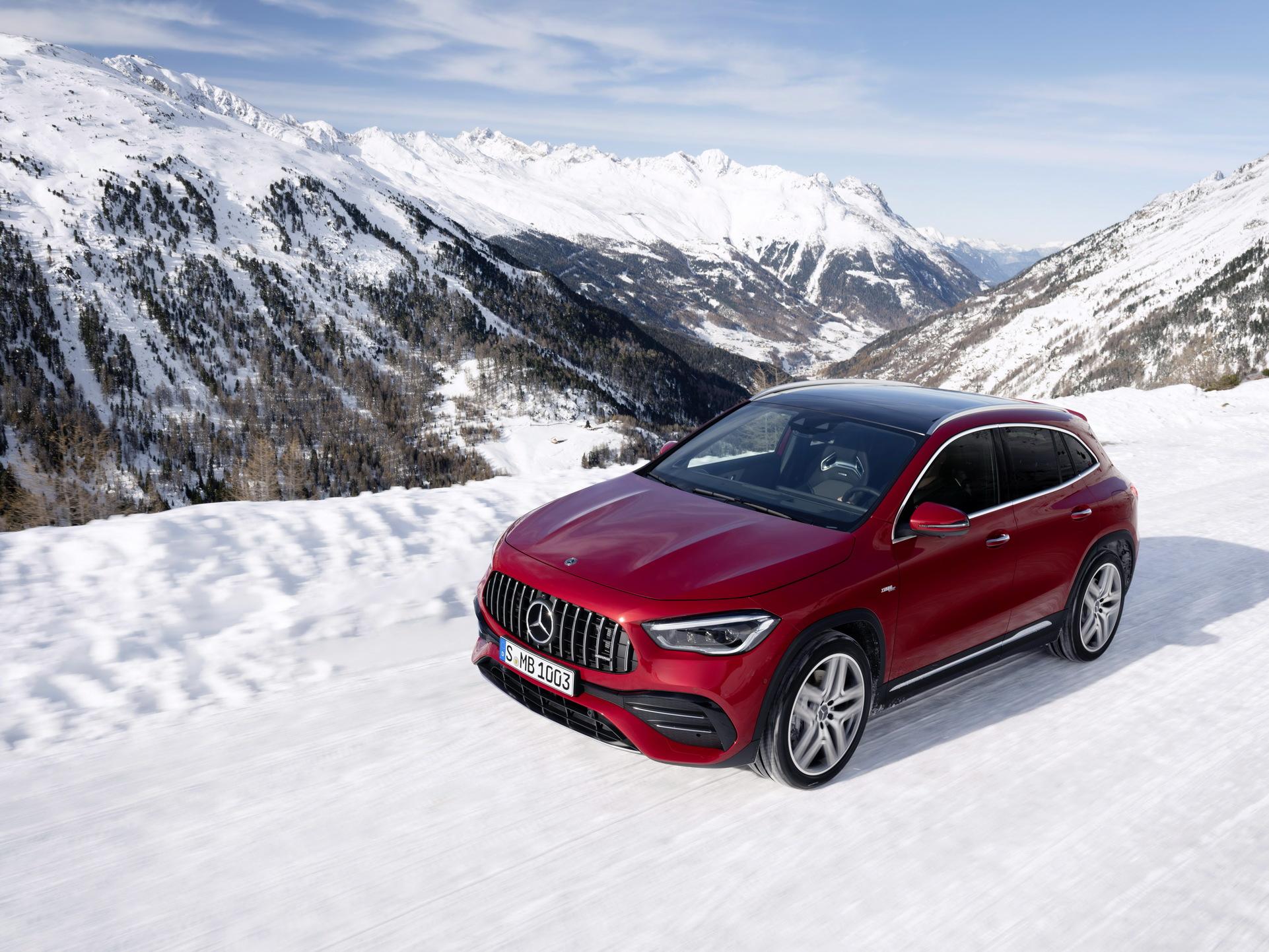 Noul Mercedes-Benz GLA (2)
