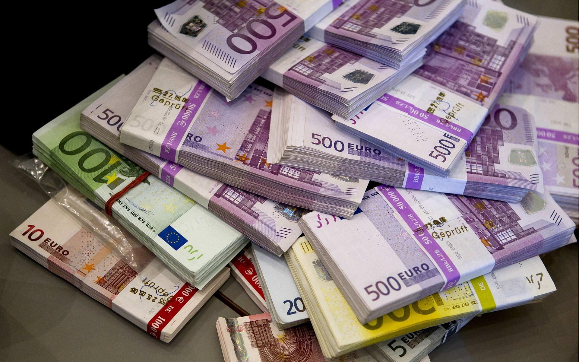 adânc în bani opțiune)