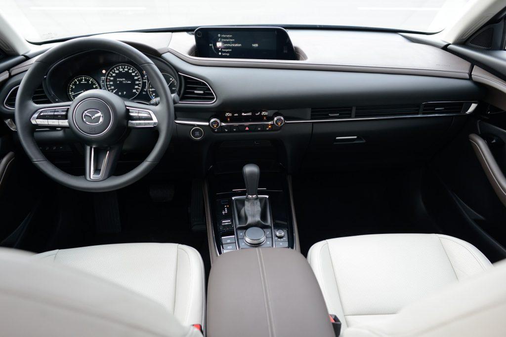 Test drive Mazda CX-30