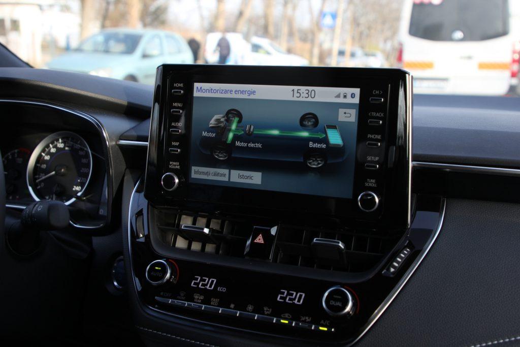 Test drive Toyota Corolla Touring Sports