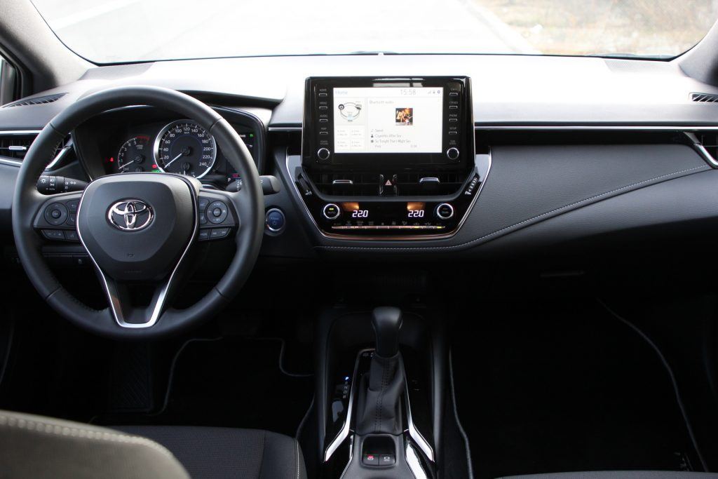 Test drive Toyota Corolla Touring Sports