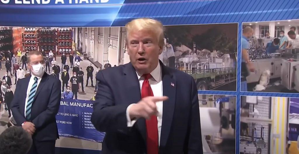 Donald Trump Ford fara masca (2)