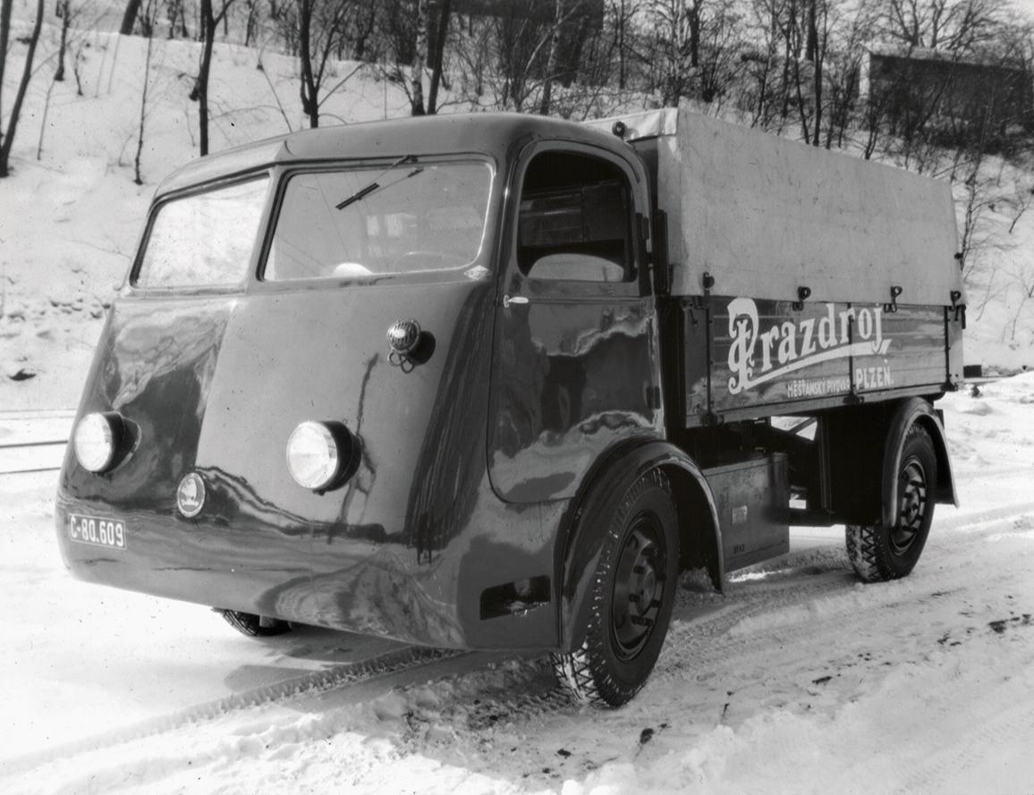 Primul vehicul electric Skoda a apărut în 1938. Era un camion proiectat pentru transportul berii - FOTO