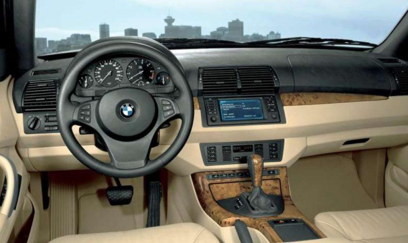 Top 10 mașini cu kilometraje măsluite