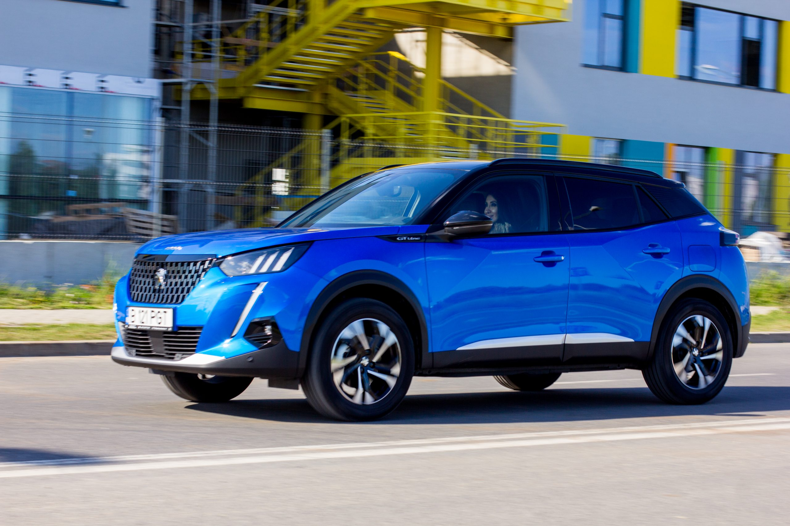 Test drive Peugeot 2008 1.5 BlueHDi EAT8 - Boutique (24)