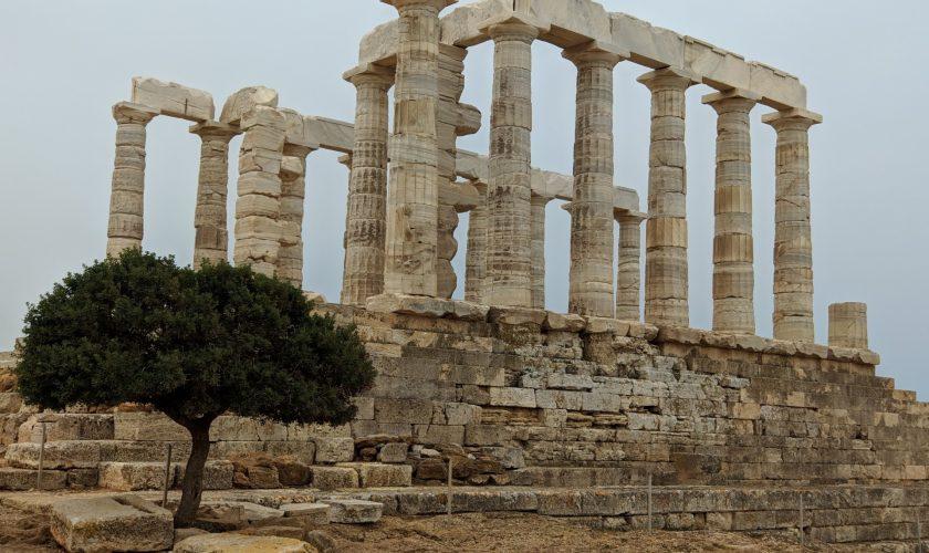 Românii au luat cu asalt Grecia
