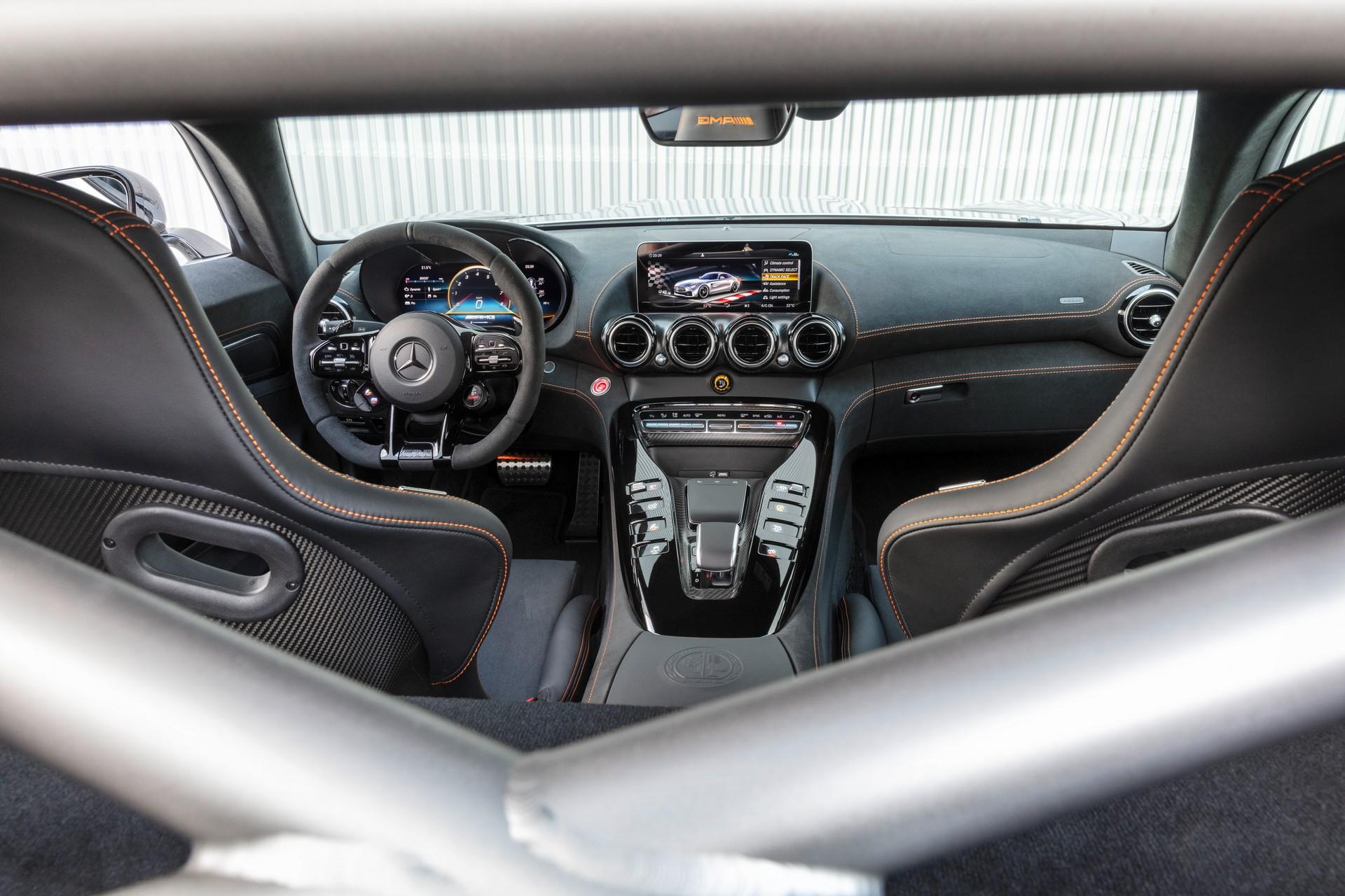 Mercedes-AMG GT R Black Series (1)