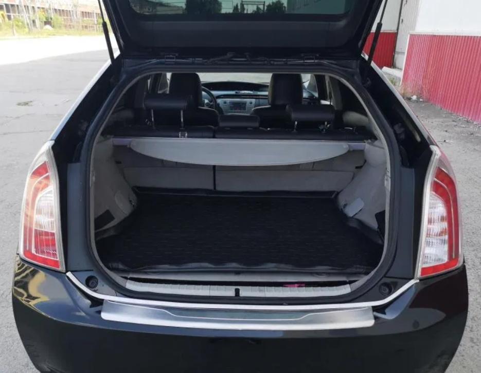 Toyota Prius, mașina care a definit conceptul de hibrid, primește o modificare tipic românească. Acum se vinde pe autovit.ro cu 9.500 de euro
