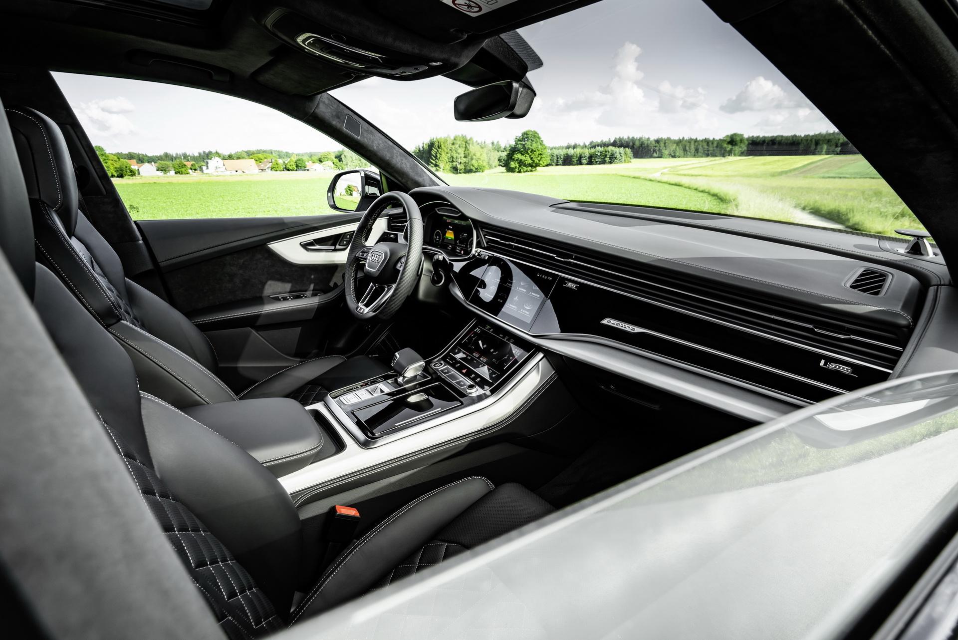 Audi își continuă ofensiva de electrificare, lansând Q8 TFSI e quattro: