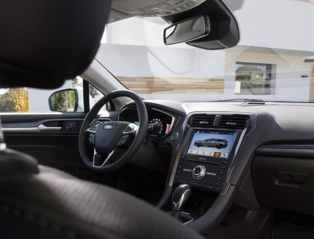 Ford renunță la motoarele pe benzină pentru Mondeo și trece 100% la producția de motoare Hybrid