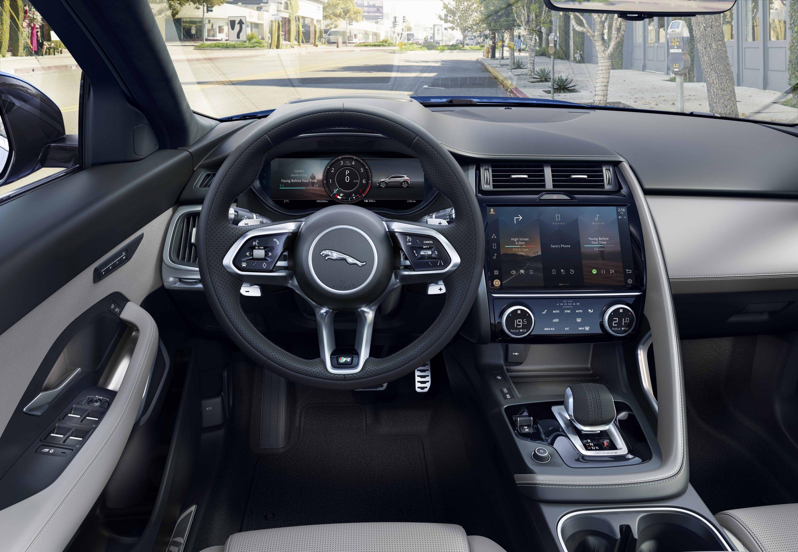 Noul Jaguar E-Pace aduce îmbunătățiri la interior și exterior, precum și motorizări electrificate