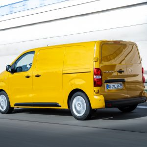 "Opel Vivaro-e a fost votat ""International Van of the Year 2021"""