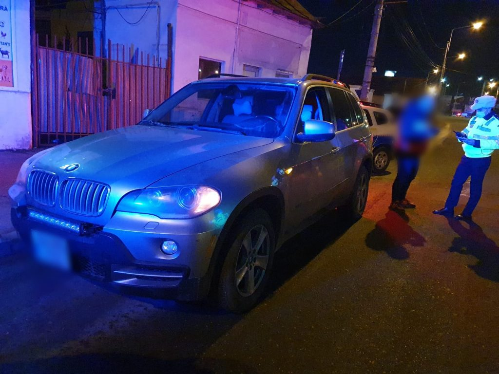 Un BMW X5 furat din Bucureşti a fost găsit în Ploieşti la doar o oră de la dispariţie